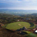 шатрообразные крыши крикетного стадиона в Руанде 1