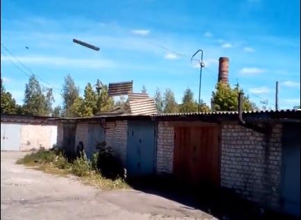 крыши и смерч