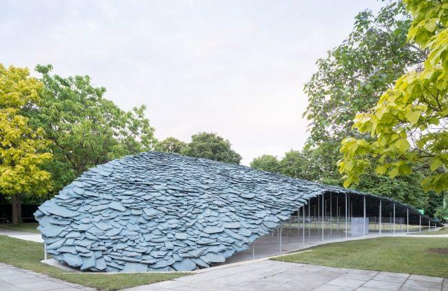 криволинейная сланцевая крыша